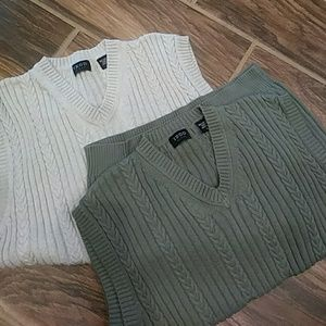 IZOD sweater vests size Small